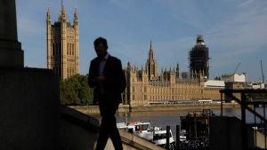 Britannian parlamenttitalo kuvattuna 2. syyskuuta.
