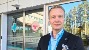 Itä-Savon sairaanhoitopiirin Sosterin johtaja Panu Peitsaro
