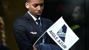 Aigle Azur -lentoyhtiön työntekijät osoittivat mieltään Pariisissa tänään 9. syyskuuta.