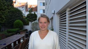 Suomen EU-edustuston kokki Jenni Tuominen metsästää vapaa-ajallaan Brysselin parhaita ranskalaisia perunoita – tai siis belgialaisia.