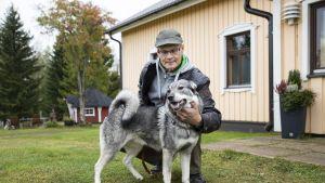 Arto Pelkonen ja Tinka-koira