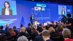 Laurence Boone puhui talousfoorumissa Pariisissa toukokuussa 2019.