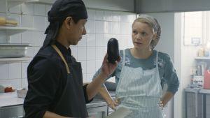 Mestari Cheng -elokuvassa kokataan fuusioruokaa.
