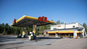 Taipalsaaren viimeinen bensa-asema.