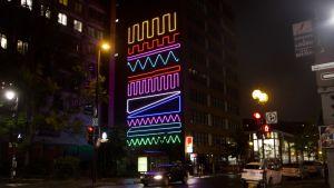 Spidertagin 'Interactive Neon Mural' -sarjan teos Montrealissa, Kanadassa.
