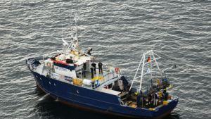 Kuva aluksesta, jonka epäillään rikkoneen hautarauhaa.