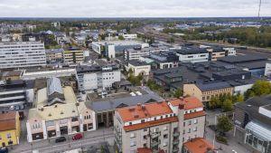 Kaupungin keskusta ilmasta kuvattuna.