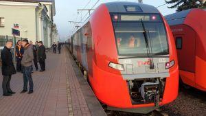 Lastotska juna Viipurin asemalla Lastochka