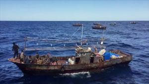 kalastaja-aluksia merellä