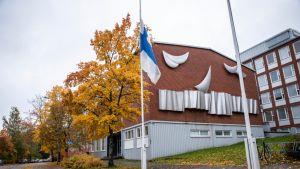 Suruliputus savon ammattiopistolla Kuopion presidentinkadulla.