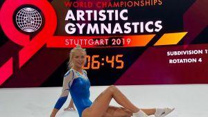 Telinevoimistelija Maija Leinonen Stuttgartin MM-kisoissa.