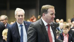Pääministeri Antti Rinne (vas.) ja Ruotsin pääministeri Stefan Löfven SDP:n järjestämässä Tulevaisuusfoorumi -tilaisuudessa Helsingissä lauantaina.