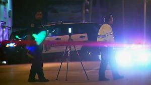 Poliiseja ammuskelupaikalla Kansas Cityssä.