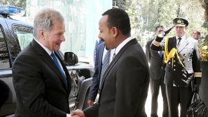 Tasavallan presidentti Sauli Niinistö tapasi tuoreen rauhannobelistin, pääministeri Abiy Ahmedin tänään Etiopiassa.