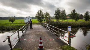 Poliisi eristi syrjäisen maatilan Ruinerwoldin kylässä Hollannissa.