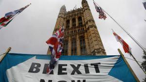 Brexitin kannattajien banneri Lontoossa 17. lokakuuta.