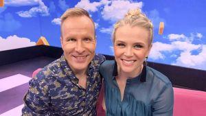 Mikko ja Susanna Puoli seitsemän -ohjelman uudessa studiossa