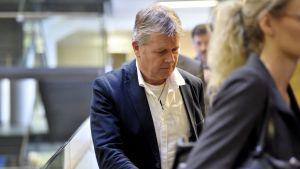 HOK-Elannon entinen kiinteistöjohtaja Jari Leivo Helsingin käräjäoikeudessa 23. lokakuuta 2017.