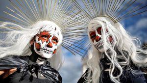 Kuolleiden päivän juhlintaa Meksikon Oaxacassa lauantaina 2. marraskuuta 2019.