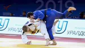 Martti Puumalainen judon EM-kisojen tatamilla.