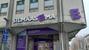 Optikkoliike Silmäasema Kuopion keskustassa.