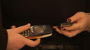 Vanhojen matkapuhelinten kierrätysinnossa on edelleen paljon kohennettavaa.