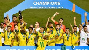 Brasilia juhlii U17-mestaruuutta.