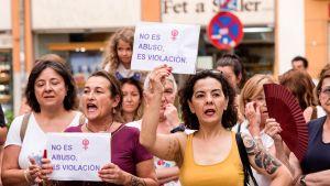 Mielenosoitus seksuaalista ahdistelua kohtaan.