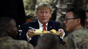 Donald Trump vieraili Bagramissa Afganistanissa kiitospäivänä.