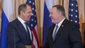 Mike Pompeo ja Sergei Lavrov Wshingtonissa 10. joulukuuta 2019.