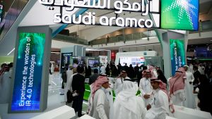 Saudi Aramcon osasto messuilla Abu Dhabissa.