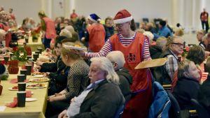 Heikki Hurstin järjestämä yksinäisten ja vähäosaisten joulujuhla Helsingin Messukeskuksessa jouluaattona 24. joulukuuta 2019