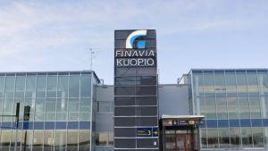 Kuopion lentoasema talvella.