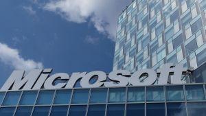 Kuvituskuva. Microsoftin toimitila Bukarestissa, Romaniassa.