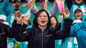 Taiwanin presidentti Tsai Ing-wen kampanjoi keskiviikkona Hsinchussa.