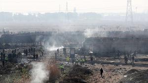 Näkymä ukrainalaiskoneen onnettomuuspaikalta.