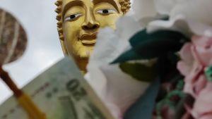 Thaimaalainen buddhan patsas
