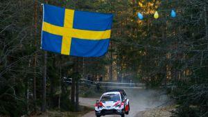 Sebastien Ogier Ruotsin MM-rallin testierikoiskokeella 2020.