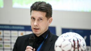 Veikkausliigan toimitusjohtaja Timo Marjamaa.