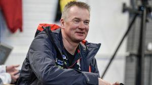 Matti Haavisto jättää Suomen hiihtomaajoukkueen, mutta jatkaa Krista Pärmäkosken henkilökohtaisena valmentajana.