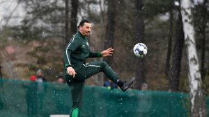 Zlatan Ibrahimovic Hammarbyn harjoituksissa.