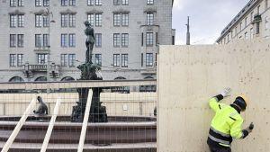 Havis Amandan patsas suojataan vappujuhlioiden varalta