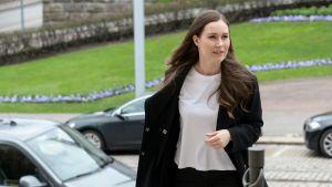 Pääministeri Sanna Marin saapui Säätytalossa Helsingissä järjestettyihin hallituksen neuvotteluihin 3. toukokuuta.