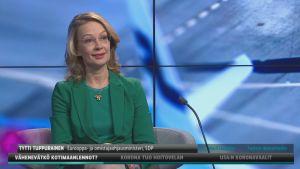 Omistajaohjausministeri Tytti Tuppurainen (sd.) Ylen A-studiossa.