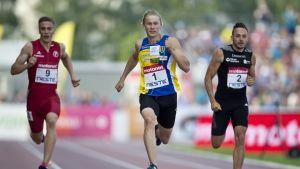 Samuli Samuelsson 200 metrillä kesällä 2016.