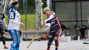 Sarita Heikkinen Pesä-Ysit (oik)