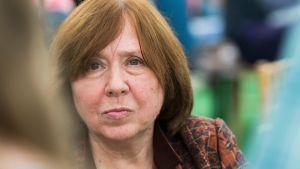 Svetlana Aleksijevitš kirjailija Valko-Venäjä 2016