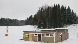 Antikkalan laskettelurinne Kuopiossa.