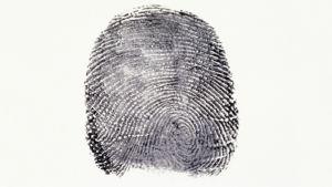 Passiin tulee nyt haltijan sormenjälki.