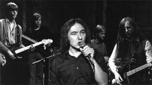Badding & Smokey Joe´s Café -yhtye, jossa soittavat Juha Kansi, Juha Tikka, Rauli (Badding) Somerjoki laulaa sekä soittavat Jyrki Tapio ja Arto Pajukallio.